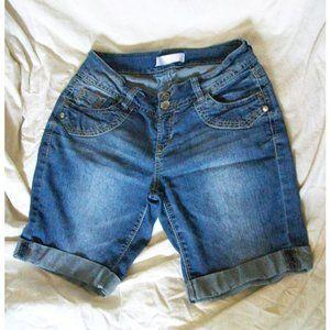 No Boundaries Bermuda Jean Shorts - Size 9